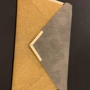 Envelop Clutch
